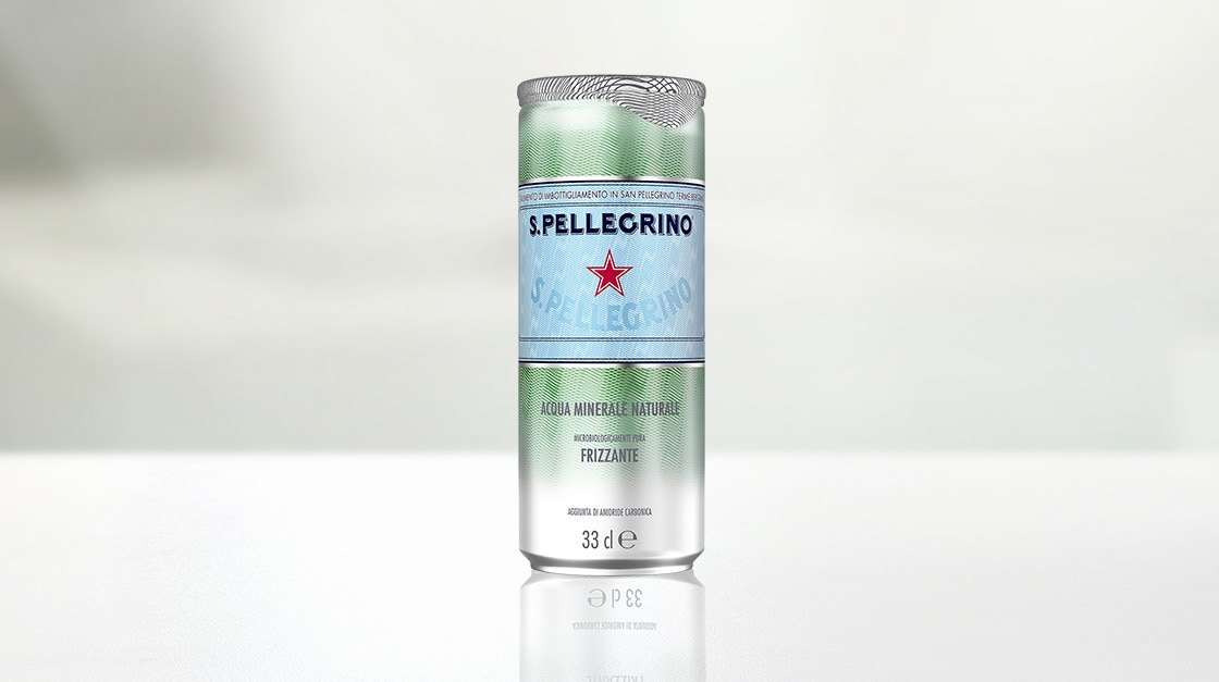 Acqua minerale naturale frizzante S.Pellegrino in lattina 33 cl