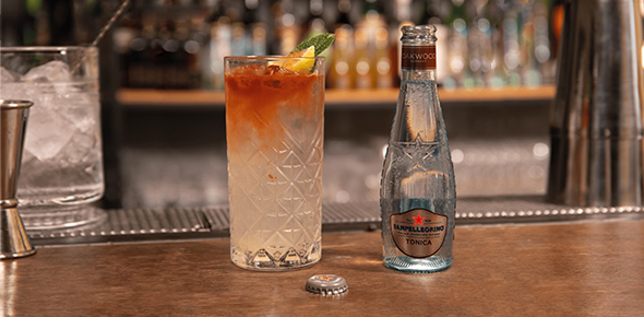 Sanpellegrino Wood Collins cocktail with Tonica Oakwood