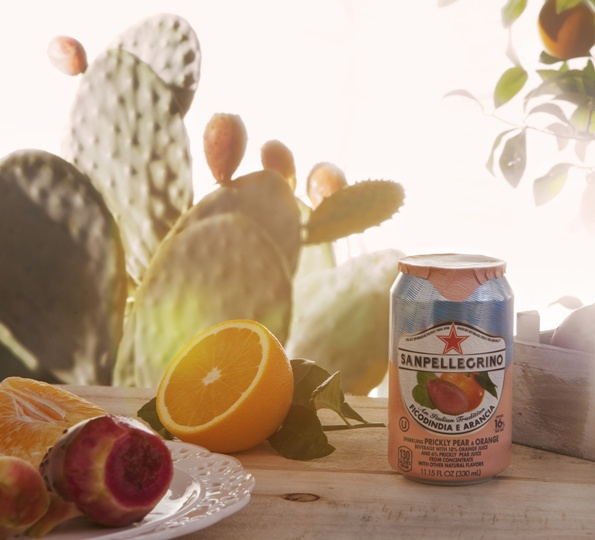Sanpellegrino Ficodindia e Arancia cloudy-rose colored drink