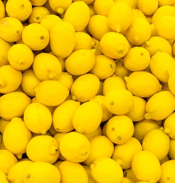 why are lemons yellow