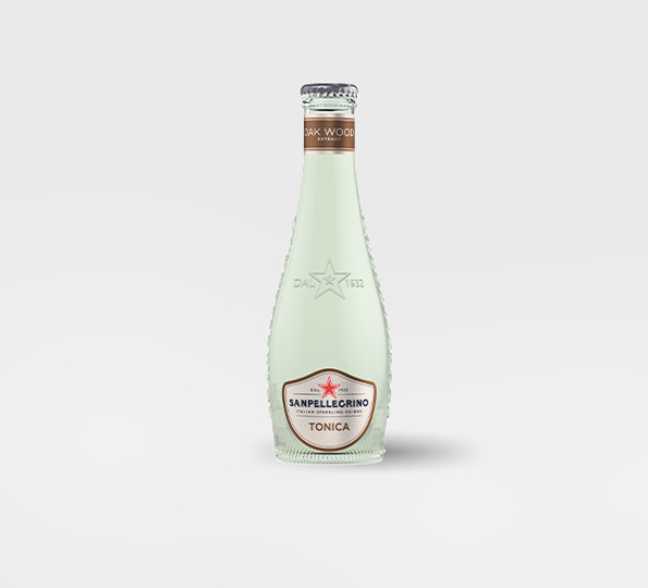 Glass bottle of Sanpellegrino tonica oakwood